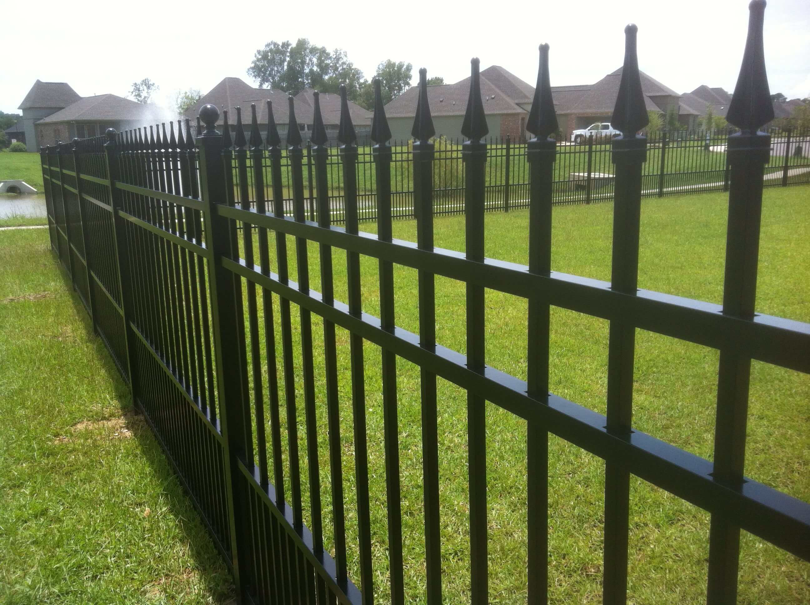 Aluminum Fence with Puppy Picket and Finials
