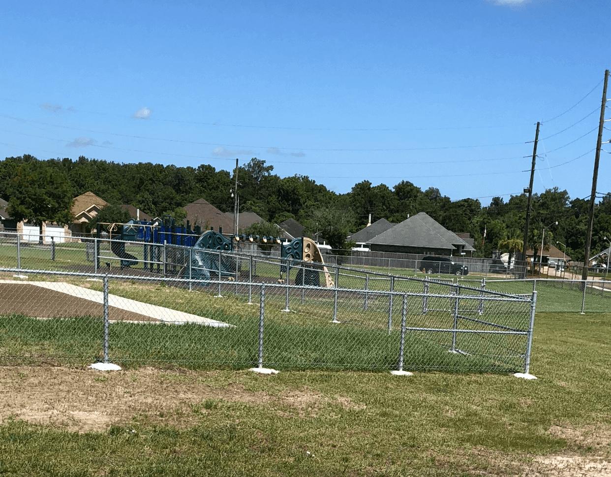 Apex Fence 187 Pontchartrain Elementary